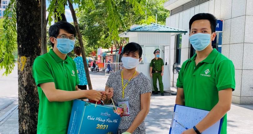 Đất Xanh Viethomes ủng hộ nhu yếu phẩm cho người dân Hà Nội vượt dịch Covid-19